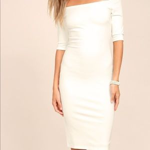 Lulu's ivory midi off-the-shoulder dress. Size S